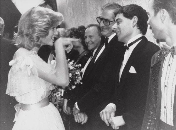 Принцесса Диана и комик Роуэн Аткинсон, 1984 год