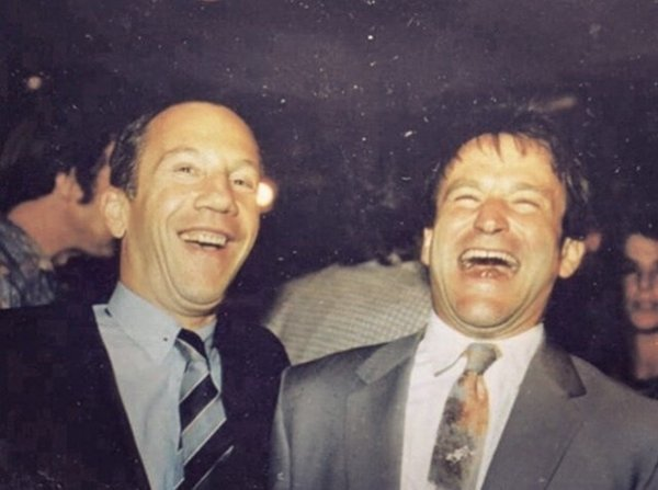 Савелий Крамаров и Робин Уильямс на премьере фильма «Москва на Гудзоне» (в котором они оба снялись), 1995 год