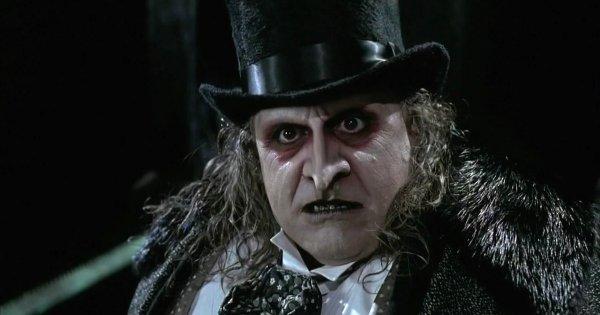 Дэни Де Вито получил номинацию как «Худший актёр второго плана» в 1993 году