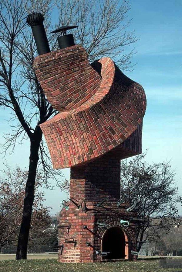 Некоторые архитекторы готовы в узел завязаться в попытках сконструировать что-то особенное