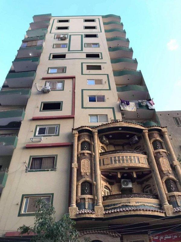 Жилой дом в Египте со специфическими балконами
