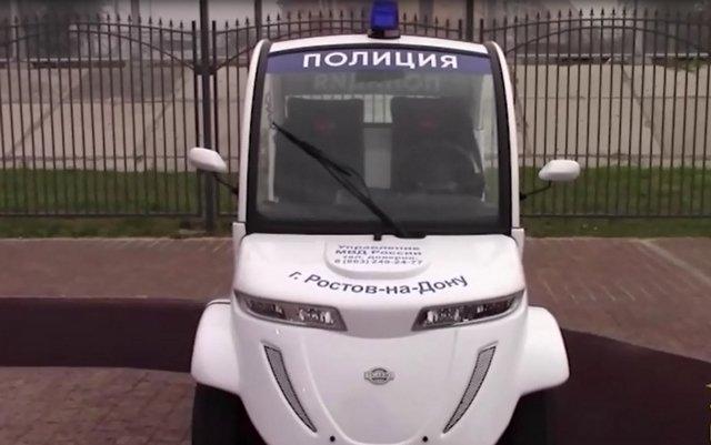 В Ростове полицейские начали патрулировать улицы на электромобилях