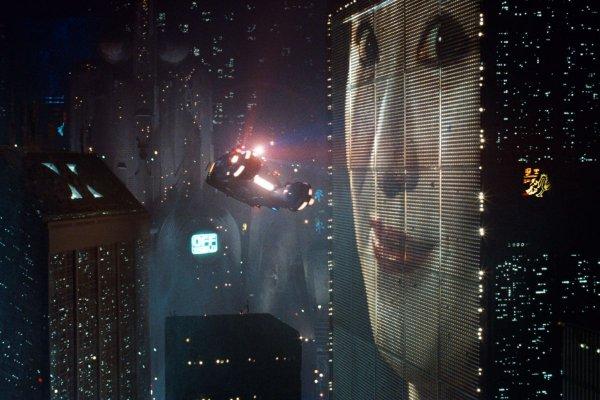 Бегущий по лезвию (1982)