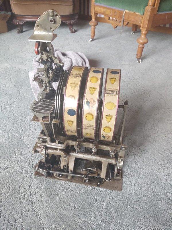 Часть механизма слот-машины