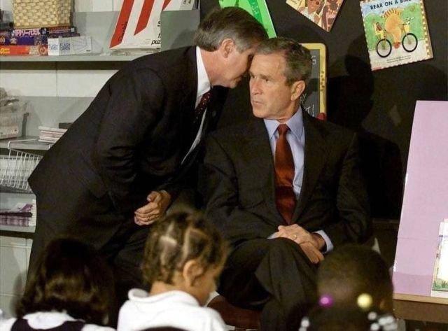 Президент США Джордж Буш узнаёт о теракте. 11 сентября 2001 года.