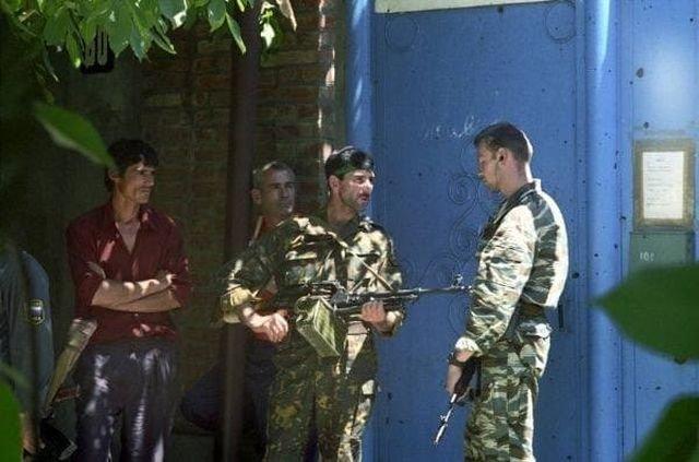 Вооруженная охрана из российских и чеченских войск