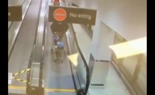 Забавный случай на эскалаторе