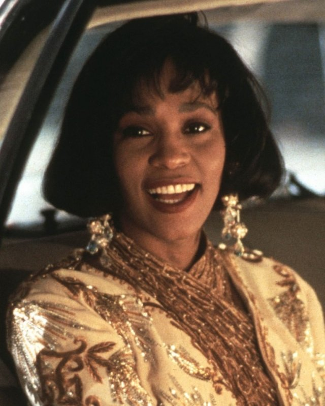 """Cardi B (Карди Би) или Тесса Томпсон: кто заменит Уитни Хьюстон в ремейке """"Телохранителя"""""""