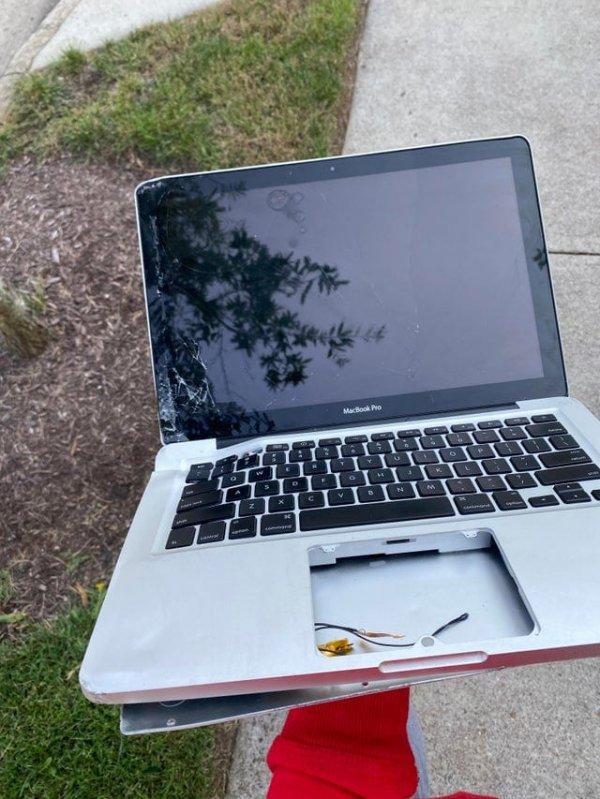 А вот и мой MacBook Pro