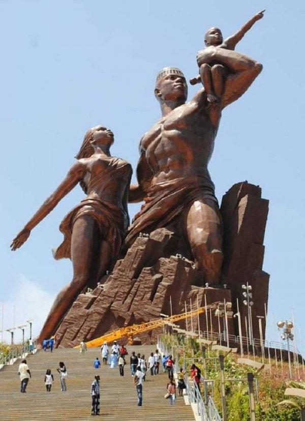 Самая высокая статуя в Африке