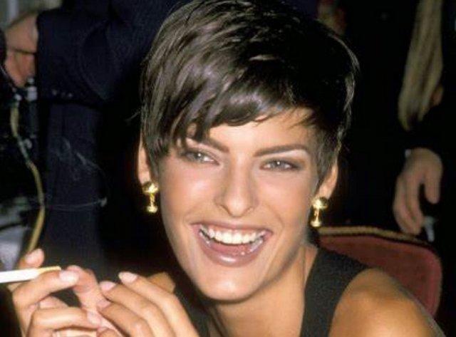 Супермодель Линда Евангелиста рассказала о неудачной косметической процедуре и показала себя