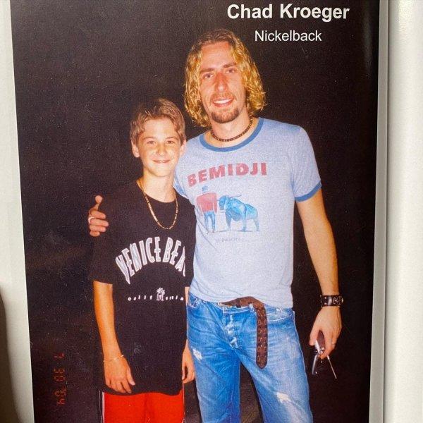 С вокалистом группы Nickelback Чадом Крюгером