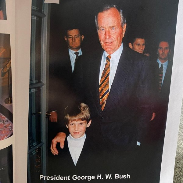 С президентом США Джорджем Бушем-старшим