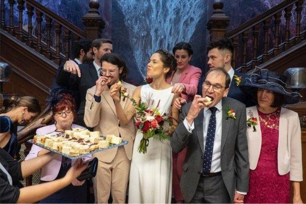 А зачем ещё ходить на свадьбы?