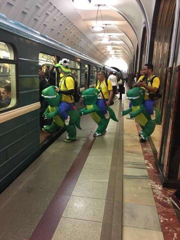 Бразильцы в московском метро