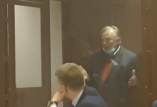 Доцент Олег Соколов, расчленивший студентку, устроил истерику в зале суда