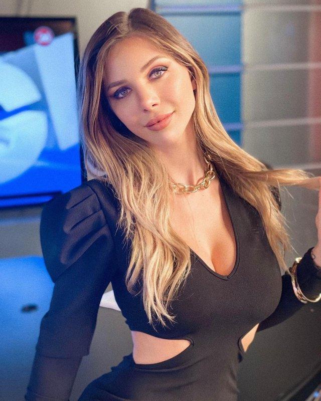 Ромина Маласпина - горячая ведущая новостей финансов из Аргентины