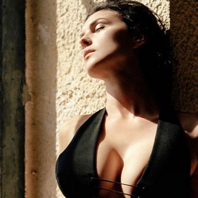Моника Беллуччи отмечает 57-летие: как живет итальянская звезда