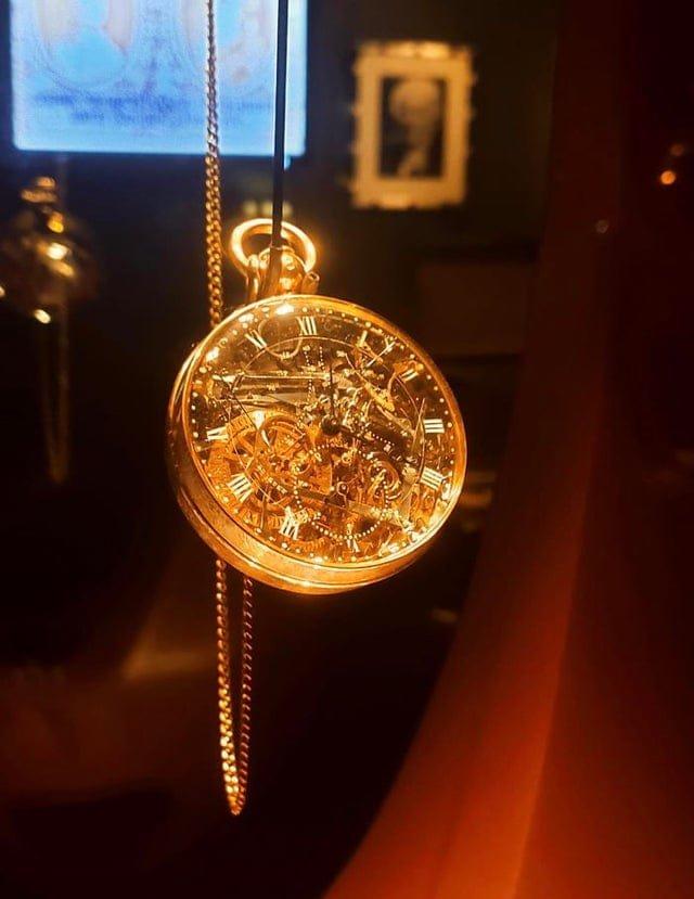 Часы Марии-Антуанетты. На их изготовление ушло 40 лет