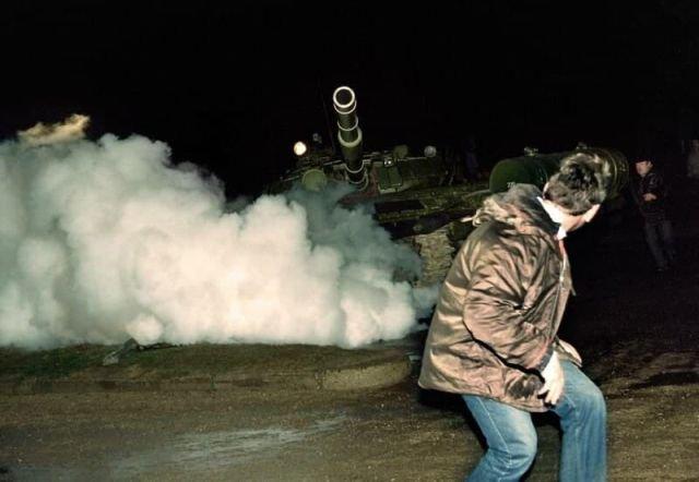 13 января 1991 года литовские националисты организовали в Вильнюсе провокации против военнослужащих, которые повлекли  жертвы.