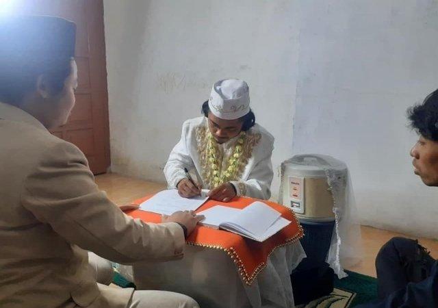 Мужчина из Индонезии заключил брак с той, кто хорошо готовит рис