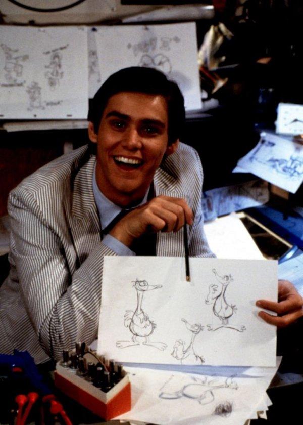 Джим Керри во время работы над своей первой главной ролью в недолговечном сериале «Утиная фабрика», 1984 год