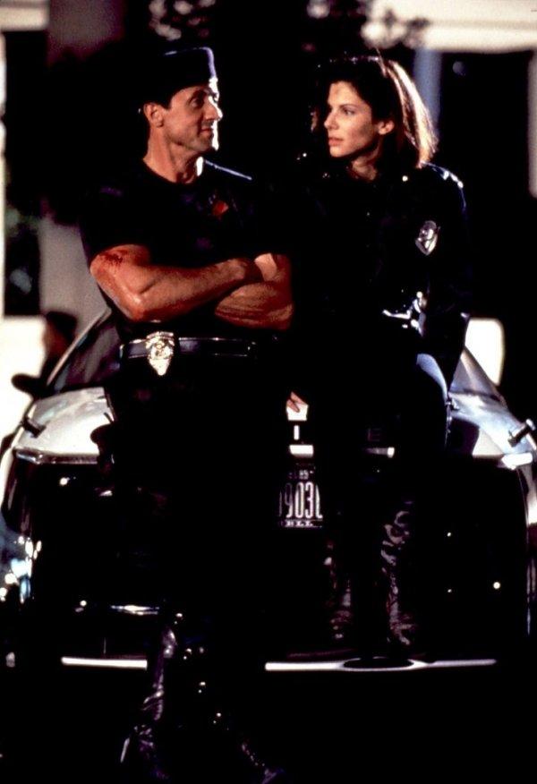 Сильвестр Сталлоне и Сандра Буллок на съемках фильма «Разрушитель» в 1993 году
