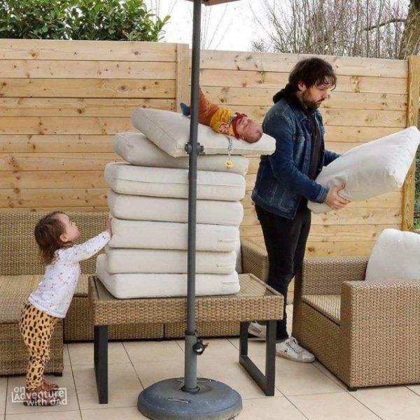"""""""Дорогая, с ребенком все в порядке"""": отец делает забавные фотожабы со своим ребенком"""