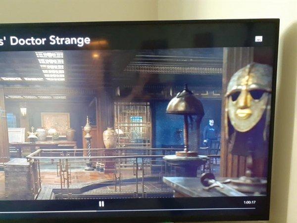 «Докторе Стрэндже» в кадр попал член съёмочной команды