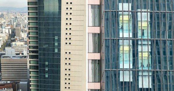 Небоскреб в японской Нагое оснащен двухэтажными пассажирскими лифтами