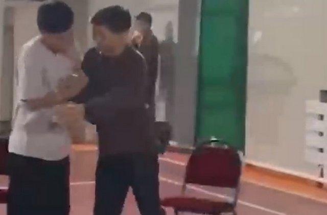 """В Казахстане школьники разыграли сцены из шоу """"Что было дальше"""""""