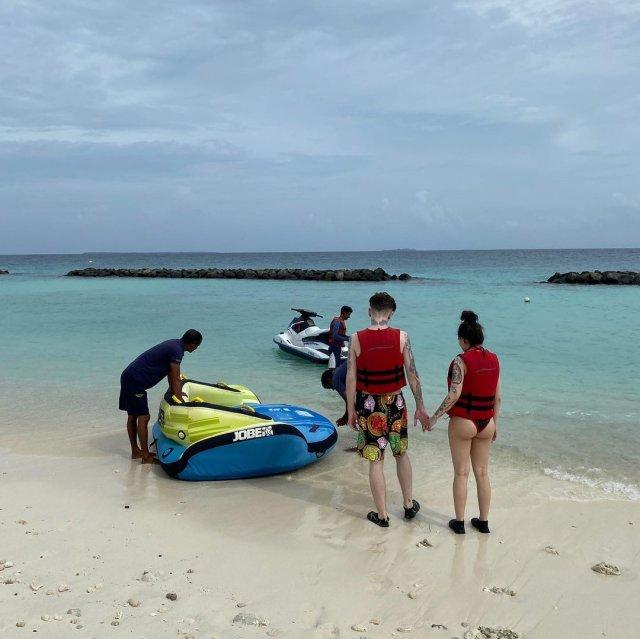 Инстасамка (Instsamka) показала отдых на Мальдивах за 5 миллионов рублей