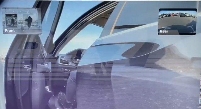 Владелица BMW, которая очень не любит Tesla, расцарапала ей дверь - но не учла одной детали