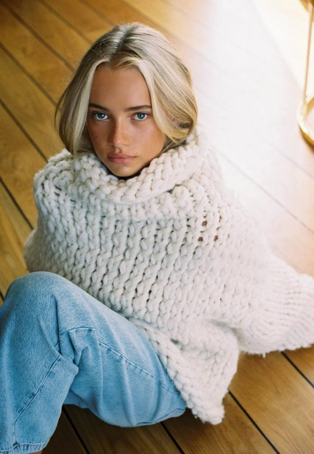 Эмма Элингсен - 19-летняя модель из Норвегии с сюрпризом