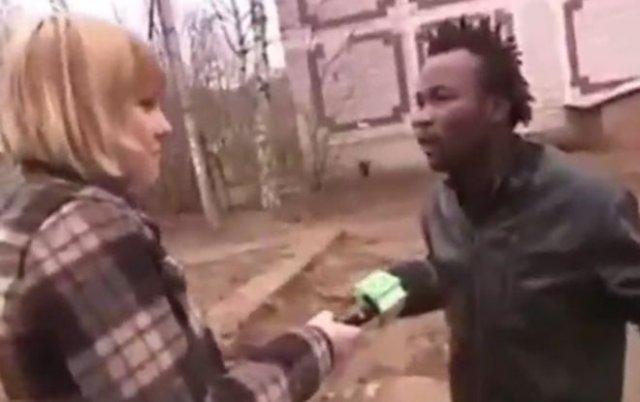 Темнокожему парню не понравилось, что русские не могут выговорить его имя