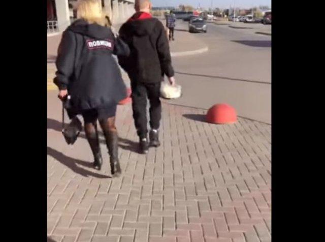 В Челябинске сотрудники полиции попытались грубо задержать подростка без маски