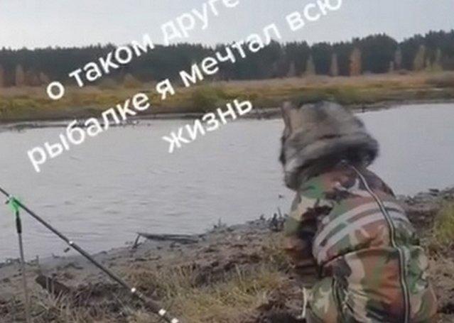 Когда ты взял с собой на рыбалку годного помощника