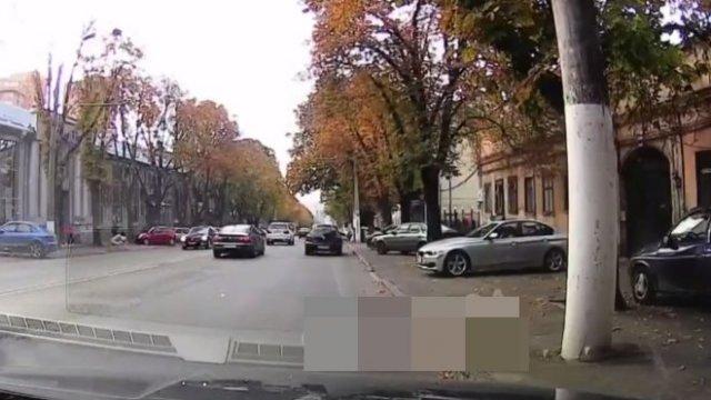 Типичный водитель BMW и его неадекватная спутница