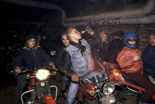 Молодежь гуляет, 1991 год, Москва.