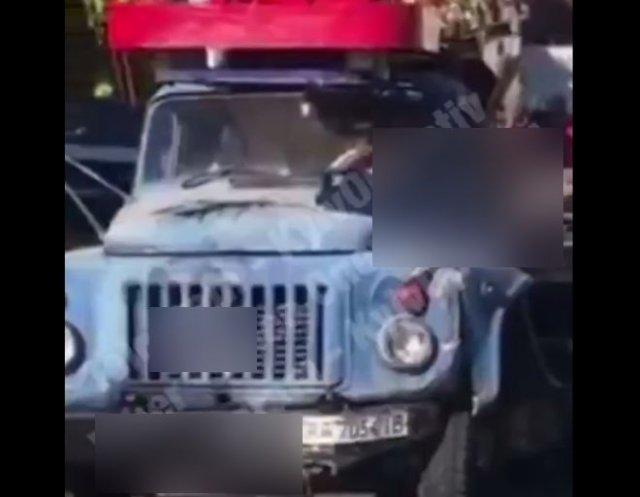 Эпичная погоня в Киеве в стиле GTA: мужчина пробрался на кузов грузовика и пытался его остановить