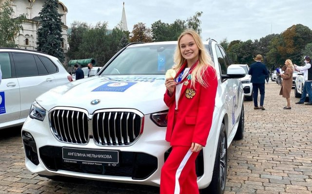 Ангелина Мельникова победила в личном многоборье на чемпионате мира по гимнастике в Китаксюсю