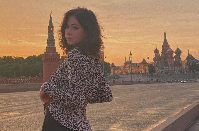 Дочь Михаила Ефремова - Вера Ефремова - снялась в первой фотосесси