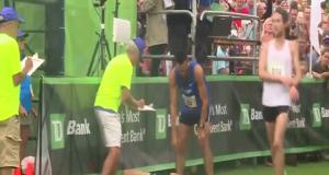 Бегун малограмотный воспользовался шансом забрать победу у лидера забега
