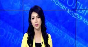Монгольская ведущая читает русские скороговорки