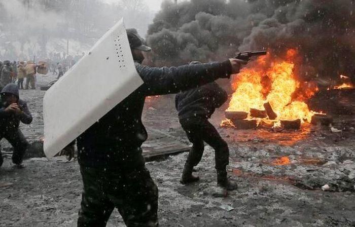 Евромайдан 2014 как фильм или как компьютерная игра (30 фото + гифка)