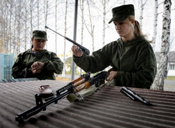 Показательное выступление женского спецназа ГУФСИН (10 фото)