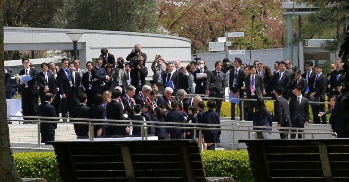 Госсекретарь США Джон Керри посетил парк Мира в Хиросиме (10 фото)