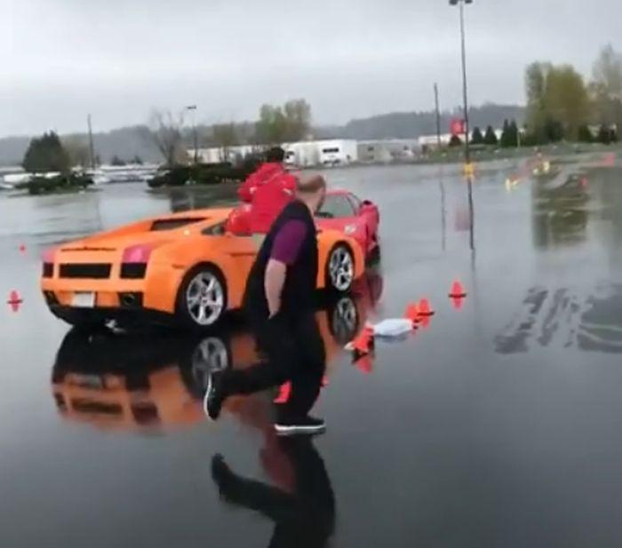 Ferrari врезался в Lamborghini
