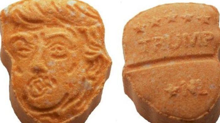 В Германии изъяли партию таблеток экстази в форме головы Дональда Трампа (2 фото)