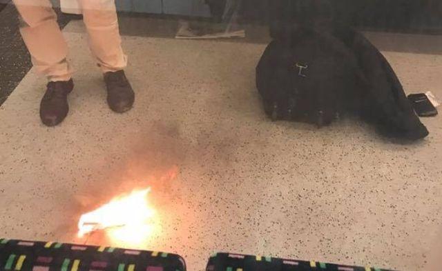 Взрыв зарядного устройства вызвал панику в лондонском метро (2 фото)